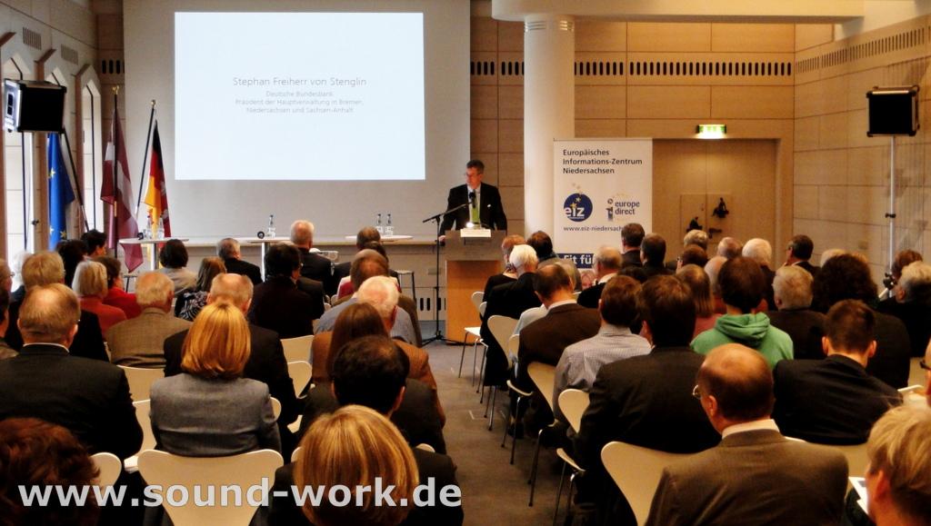 Lettlands Beitritt zum Euro - Veranstaltung des EIZ in der Deutschen Bundesbank Hauptverwaltung Hannover - 08.11.2013 - Stephan Freiherr von Stenglin