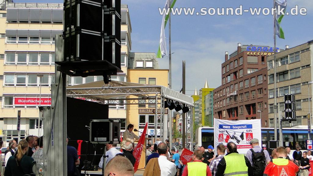 Kundgebung und Warnstreik der IG Metall auf dem Steintorplatz Hannover - Pia Pachauer - 06.05.2013