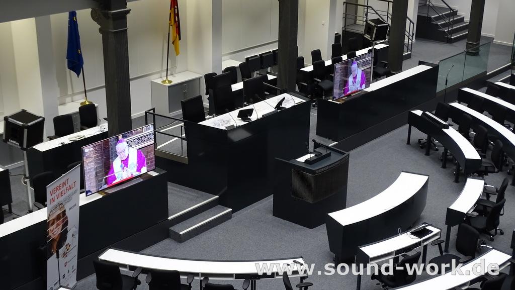 Tag der deutschen Einheit in Hannover - 03.10.2014 - Live Übertragung der Sendungen von ZDF und ARD in das Pressezentrum im Plenarsaal des Nds. Landtags