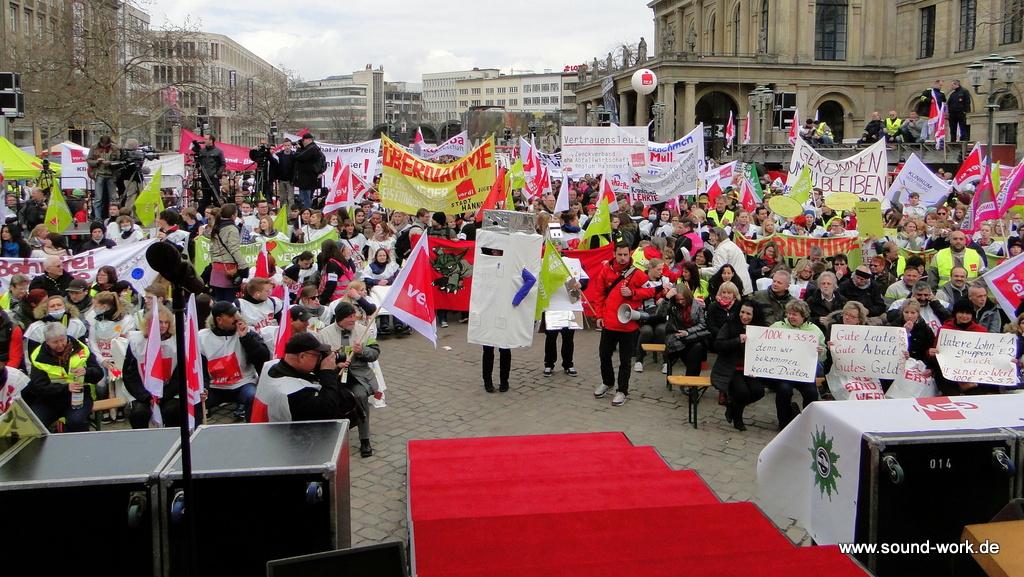 ver.di - Kundgebung - Opernplatz - Hannover - der rote Teppich